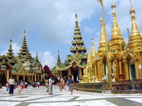 800px-shwedagon-d05.jpg