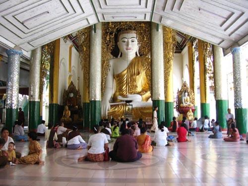 800px-shwedagon-d09.jpg