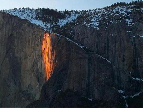 cascada de fuego, california