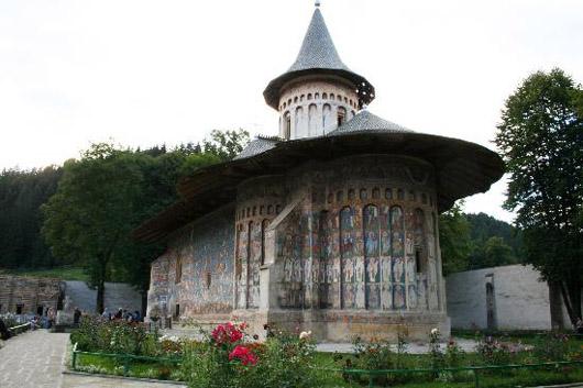 La Iglesia del Monasterio Voronet, en Rumania