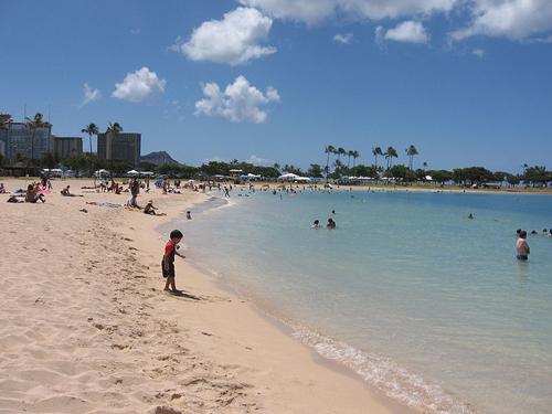 Ala Moana, una playa artificial en Hawaii