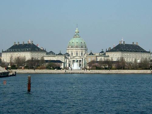 El Palacio de Amalienborg, cuatro palacios en uno