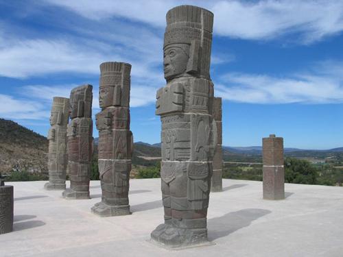 Los Atlantes de Tula, toltecas en México