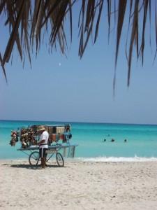 T�pico vendedor de la playa de Varadero