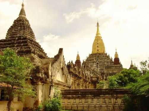 Tierra dorada, viajes por Birmania, de Norman Lewis