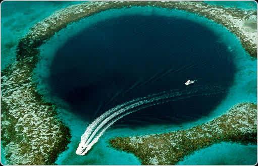 Blue Hole en las Bahamas