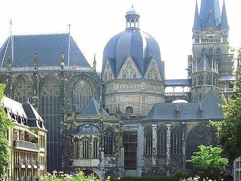 Palacio Edad Media la Alta Edad Media