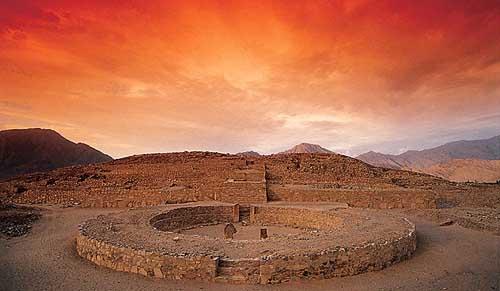 Las Ruinas de Caral, cuna de la civilización americana