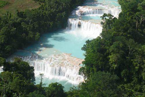 Las cascadas de agua azul, en México