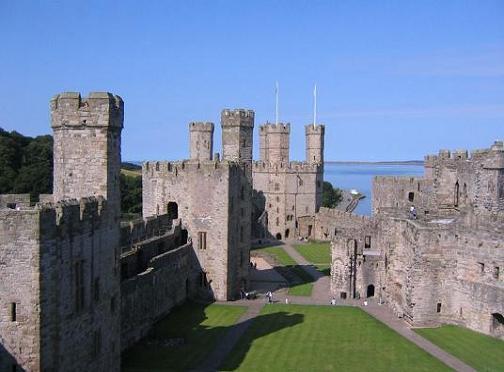 Castillo de Caernarfon en Gales