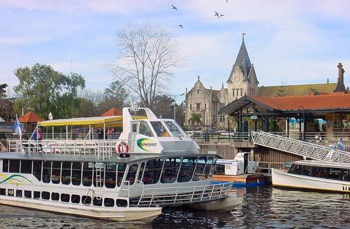 Barco por el Delta del Tigre