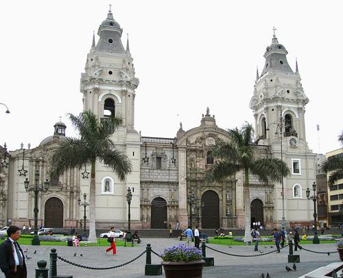 La Catedral de Lima, descanso de Pizarro