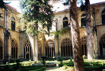 Claustro de la Abadá de San Salvador de Oña