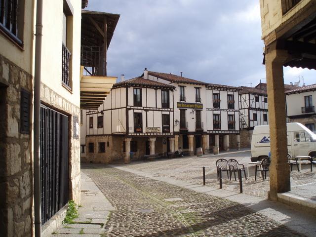 Covarrubias, paseo medieval en Burgos