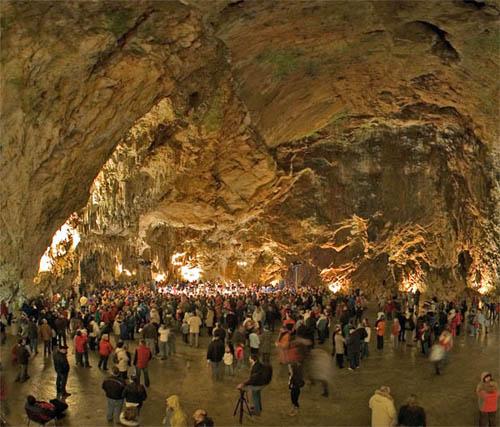 La Cueva Postojna, en Eslovenia
