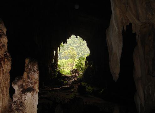 Cueva de las lechuzas en Tingo Maria