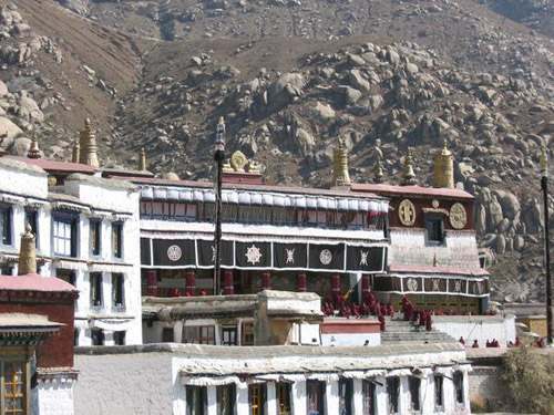 El antiguo monasterio Deprung en el Tíbet
