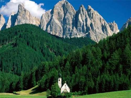 Los Dolomitas, patrimonio en Italia