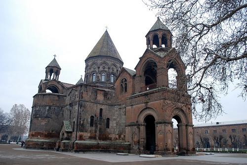 Echmiadzin, la catedral mas antigua del mundo