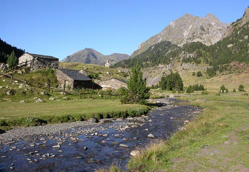 El r�o Garona por el Valle de Arán