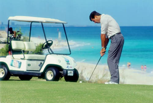 Jugar al golf en Cuba