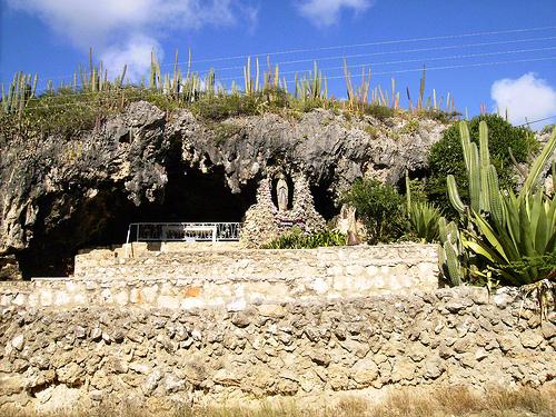 La Gruta de Lourdes, milagros en Aruba