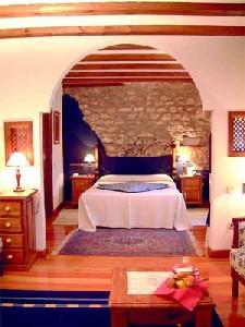 Hotel molino de alcuneza en siguenza for Habitacion familiar en once