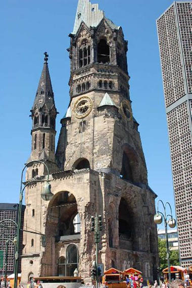 iglesia memorial wilhem en Berlin