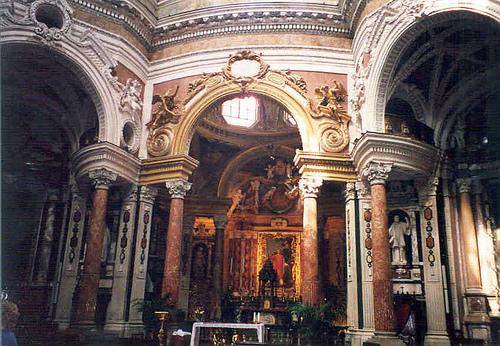 iglesia san lorenzo en Turin, interior