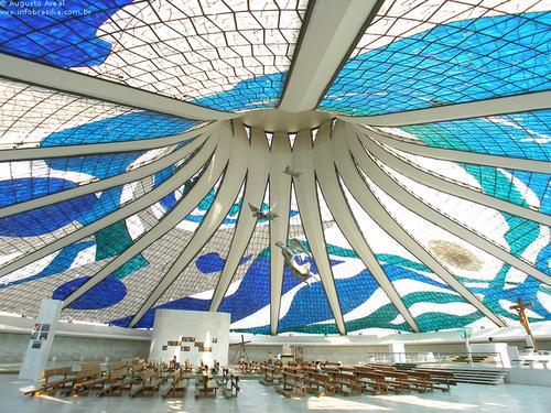 interior brasilia catedral