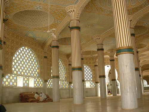 Interior de la Gran Mezquita de Touba