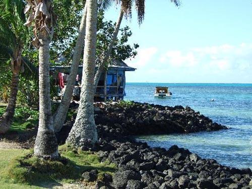 isla manono 2