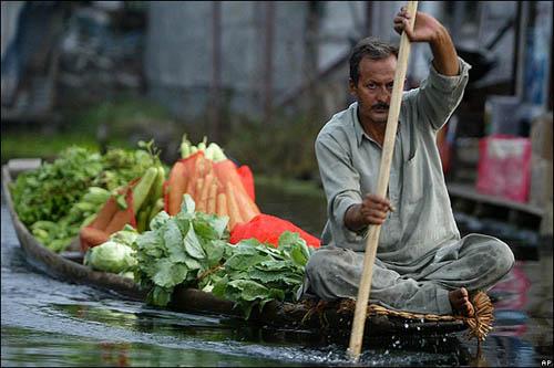 Mercado flotante en Srinagar