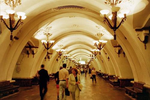 El metro de Moscú, el más bello del mundo