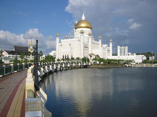 La mezquita Sultán Omar Ali Saifuddin, en Brunei