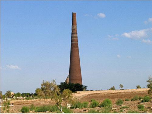 Kutlug Timur, el minarete mas alto de Asia Central