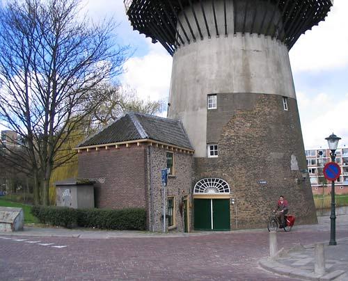 Holanda y los molinos de viento mas altos del mundo for Piscina molino de viento y sombrilla