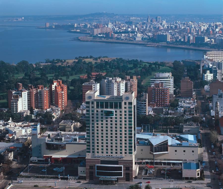 Montevideo, el azul mas intenso de America