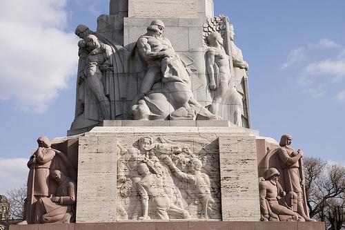 monumento riga
