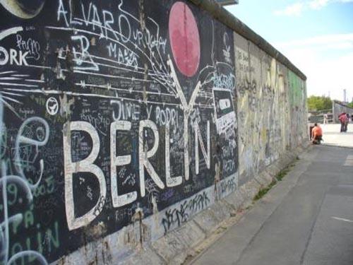 Recorriendo el Muro de Berlín