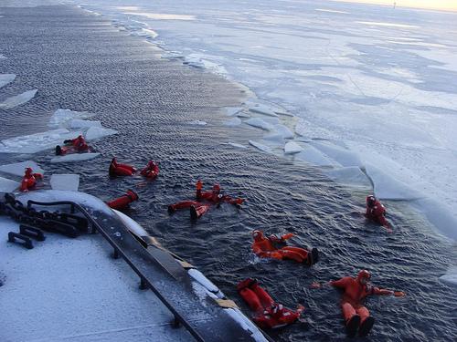 nadar en el hielo