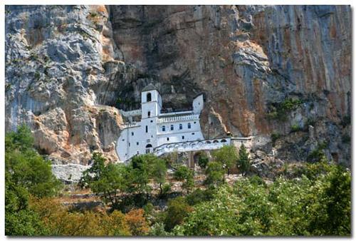 El Monasterio Ostrog, maravilla en Montenegro
