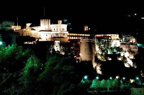palacio grimaldi en MOnaco