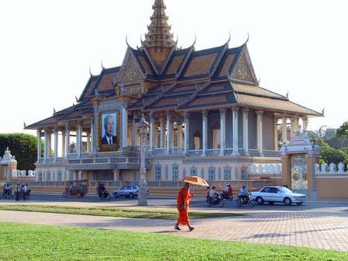 phnom_penh_palace.jpg