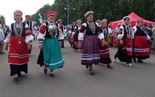 Visita una aldea Seto en Estonia