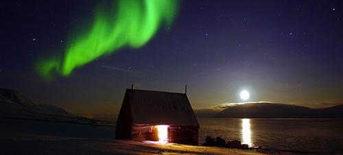 svalbard_aurora-boreal