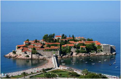 Sveti Stefan, lujo en la costa montenegrina