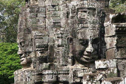 templo bayon caras