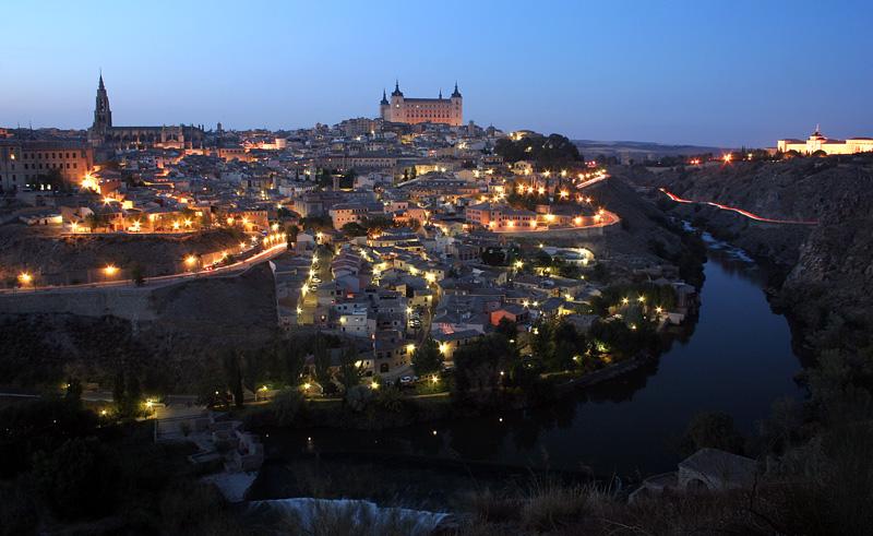 Toledo al anochecer